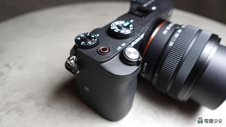 開箱|搶先實測 509 克 Sony 超輕巧全片幅相機 α7C 坐擁側翻螢幕、靈巧追焦與有感長續航